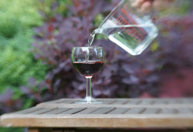 Vatten förvandlas till vin.