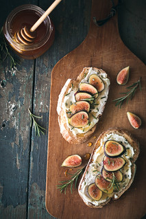Fig, Rosemary, & Goat Cheese Tartines | Will Cook For Friends | by WillCookForFriends