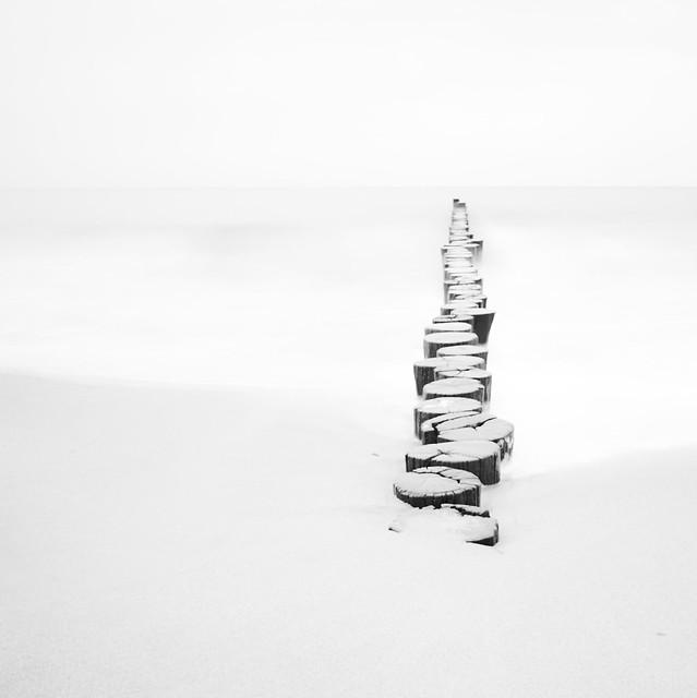 [Explore #197] lost in white