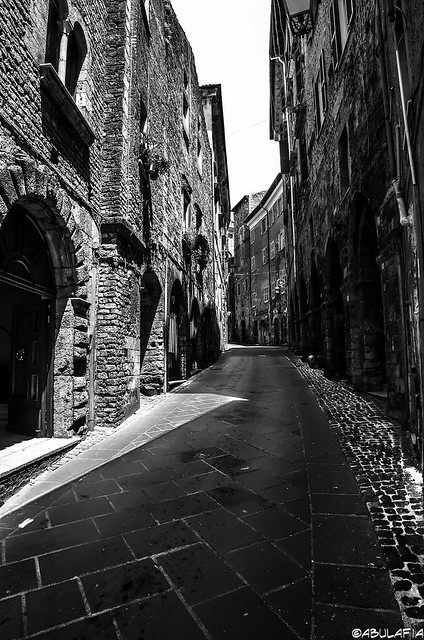 Via medievale / Middle-aged road.