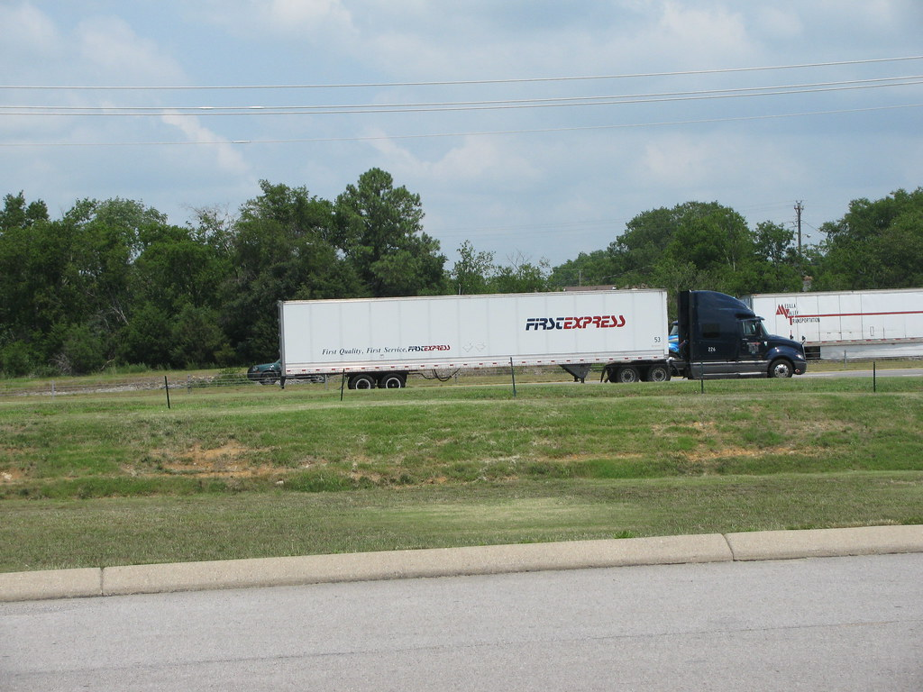 first express hd on i40e in lebanon,tn (7-15-11) | tnsamiam | Flickr