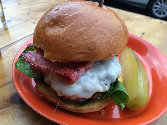 日, 2014-09-14 18:19 - Burger Club