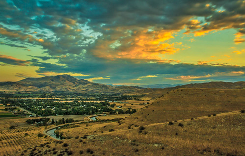 morning trees mountain beautiful yellow clouds sunrise wow landscape town butte superb sweet farm awesome scenic surreal peaceful panoramic idaho boise sensational inspirational spiritual tranquil emmett magnificent organe rollinghills inspiring haybales stupendous twlight iphone landscsape thebutte canonshooter treasurevalley gemcounty squawbutte emmettphotography idahophotography emmettvalley sceniclandscapephotography robertbales