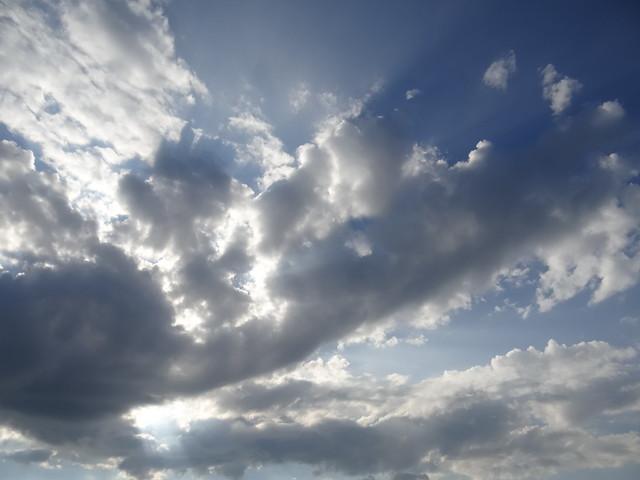Der brave Planet ohne Märchen hinter der Wolke ruft in der folgenden Strophe das Lied den Vater der Liebe an, der das Herz des Leidenden beflügeln und den umhüllten Augenausdruck aufschlagen wolle 0617