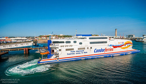 sea ferry boat nikon harbour vessel jersey condor channelislands d3000
