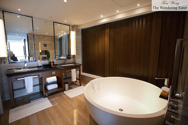 Huge bathroom at Harbour City Suite