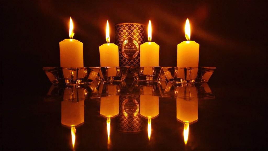 Vela aromática e outras velas (Aromatic candle and other c