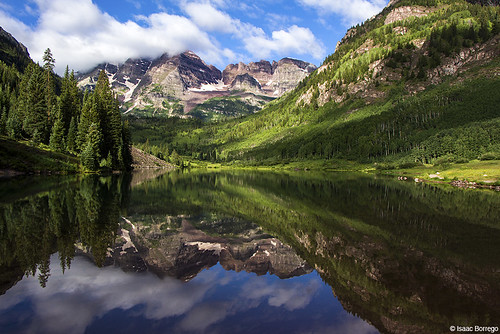 reflection clouds water lake mountains peaks trees maroonlake aspen colorado canonrebelt4i reflections rockymountains fourteeners elkmountains unitedstates america usa