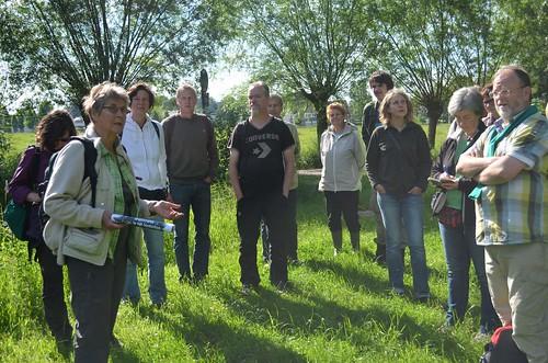 Griet geeft uitleg over het landschap en zijn ecologische waarde