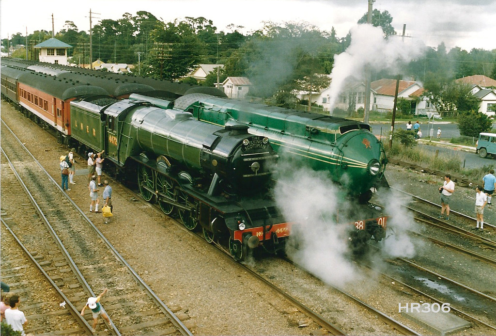 4472 Flying Scotsman & 3801 at Moss Vale 11-3-1989 | Flickr