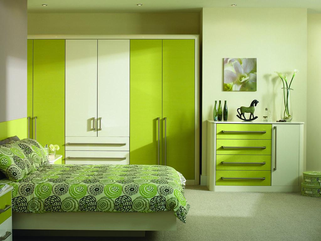 Lime and White Bedroom   Attribution: larkandlarks.co.uk ...