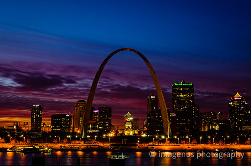 longexposure sunset sky water clouds river illinois nikon downtown cityscape arch unitedstates stlouis explore missouri gatewayarch mississippiriver riverfront bluehour eaststlouis oldcourthouse explored jeffersonnationalexpansion d7000 imagenusphotography