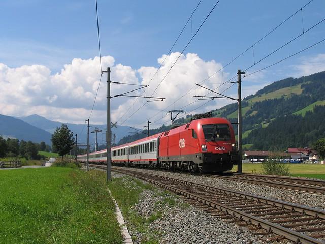 1116 214-6 bij Brixen im Thale op 28-8-2008