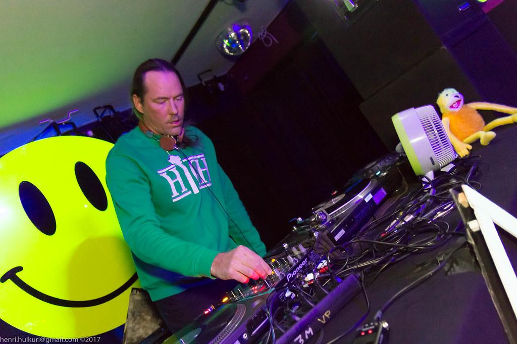 80100: 90's Techno & Trance - Phil Paroni   Henri Huikuri