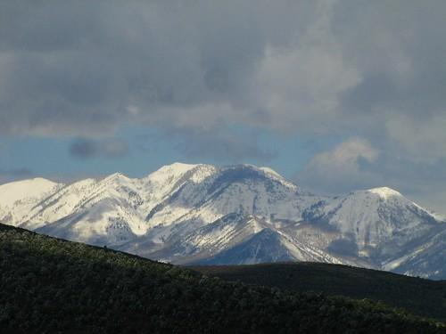 sky snow mountains clouds rural spring colorado shadows blackcanyonofthegunnisonnationalpark montrosecolorado westelkmountains