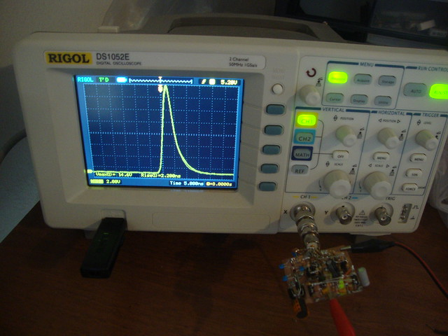 Avalanche pulse generator