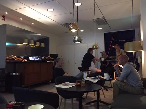 Blixtuppsjungning i fikarummet TV4 | by Eric Gadd