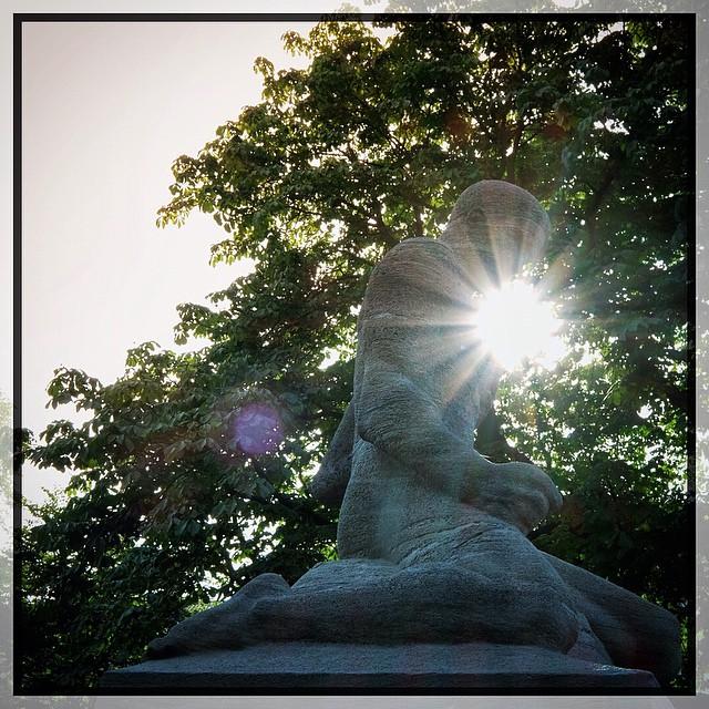 sunrise #statue #kreuzberg #berlin #sun #lensray made wit… | Flickr
