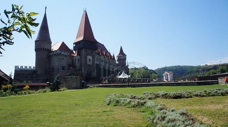 Castelul_Corvinilor-1