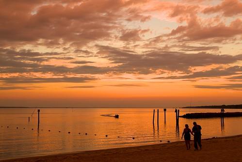 sunset red sky orange beach water evening virginia sand huntington huntingtonbeach newportnews