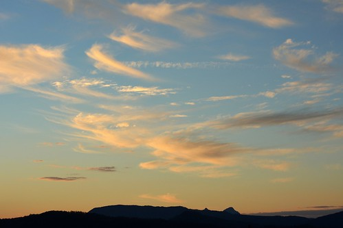 winter sunset sky clouds landscape countryside australia nsw sunsetclouds cirrus mountbarney northernrivers macphersonrange mountglennie pwpartlycloudy