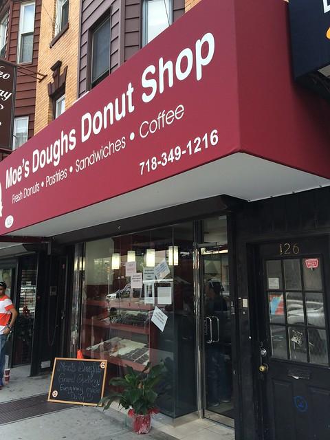 日, 2014-08-17 11:46 - Moe's Doughs Donut Shop