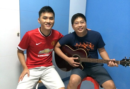 1 to 1 guitar lessons Singapore Zhi Xiong