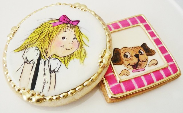 Last set of my favorite children's books:) Eloise and her pug Weenie, by Kay Thompson, illustrated by Hilary Knight. Hand painted vanilla sugar cookies:)