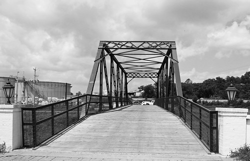 cr 286 county road shiner spoetzl brewery lavaco through truss bridge boggy creek relocated repurposed united states north america