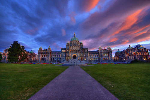 sunset canada clouds lights bc britishcolumbia capital parliament wideangle victoria canadian vancouverisland legislature hdr highdynamicrange victoriabc 10mm