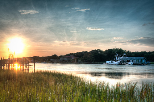 sunset nc sunken shrimpboat holdenbeach