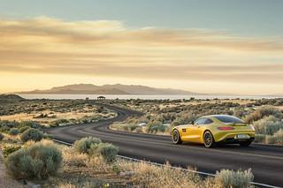 Mercedes-AMG-GT-2014-35