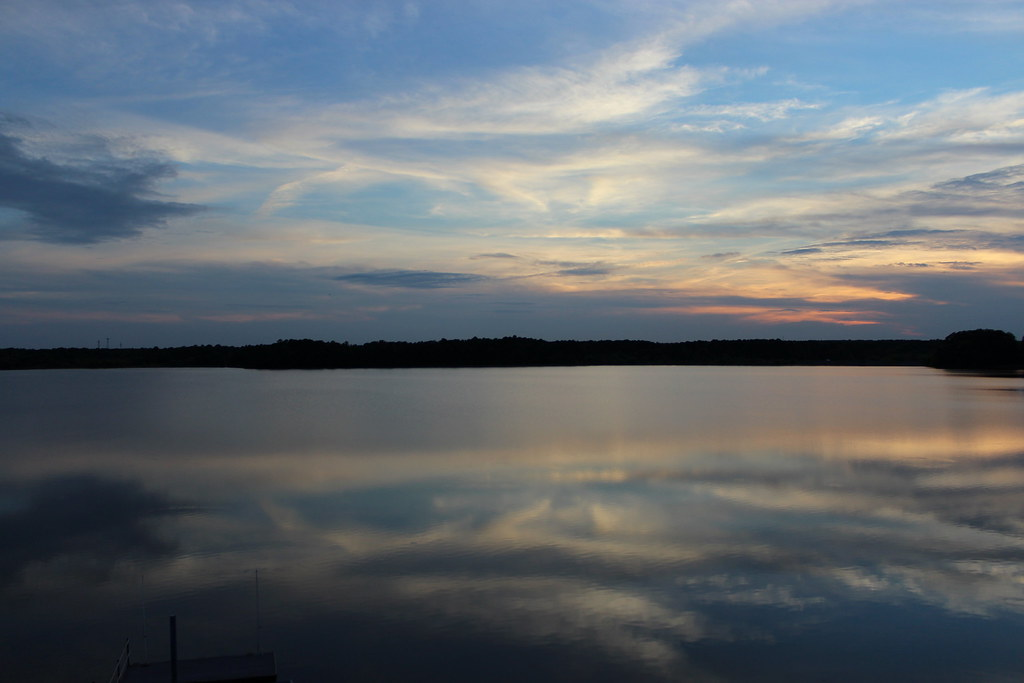 Clouds dancing on the lake
