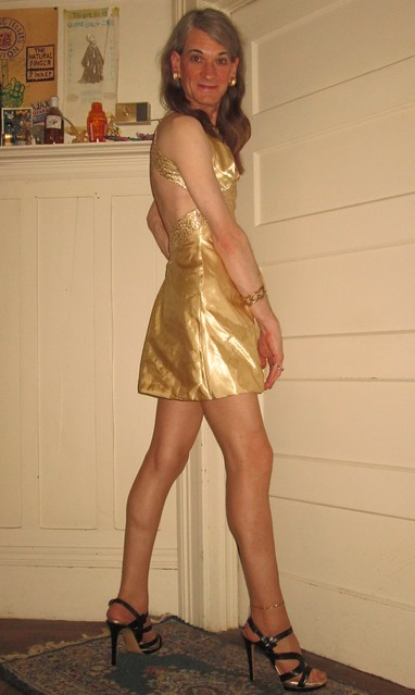 Gold backless party dress