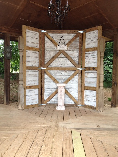 Screen made from recycled wood.