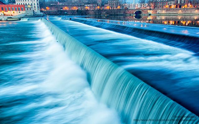 la Garonne vit au fil des flots