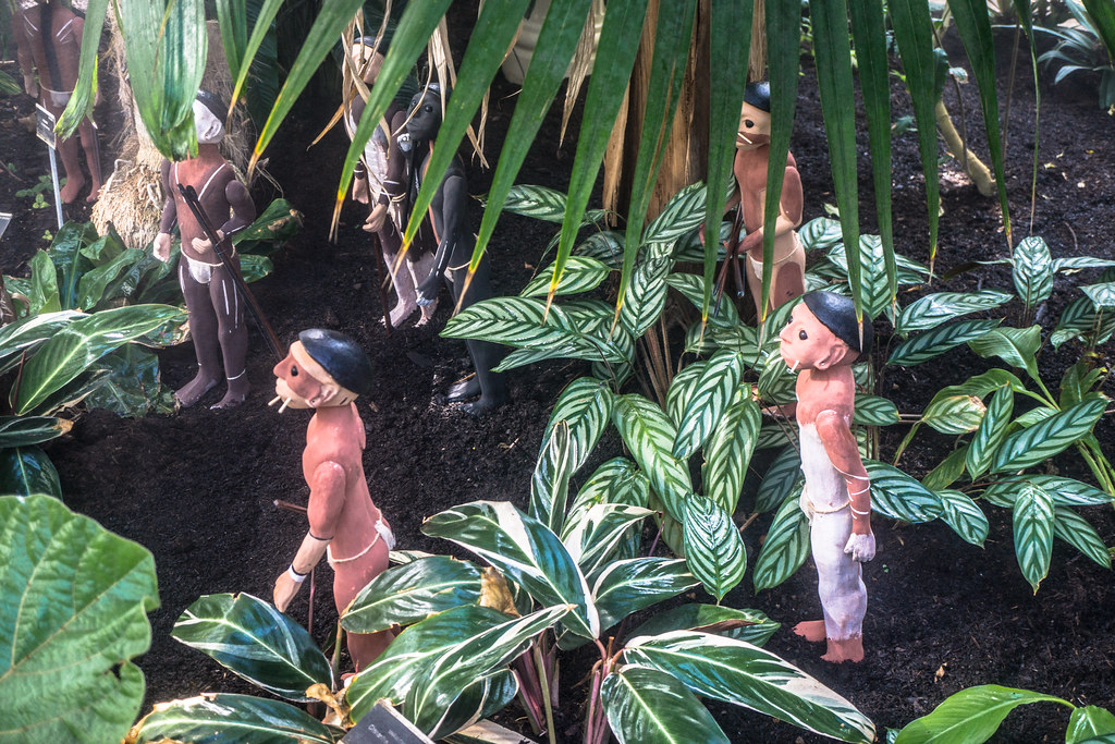 TRIBES BY EDWARD McMULLIN - SCULPTURE IN CONTEXT 2014 005