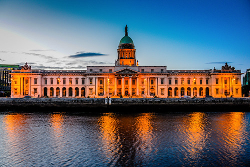 city ireland sunset dublin irish house building water night river lights evening europe eu irland eire na liffey dome government custom along scapes irlanda customs irlande 1791 éire poblacht airlann héireann ilobsterit pwpartlycloudy