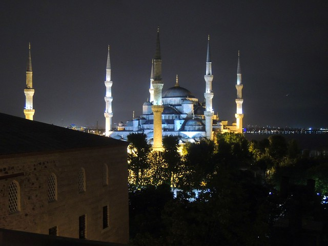 Sultanahmet Camii by bryandkeith on flickr
