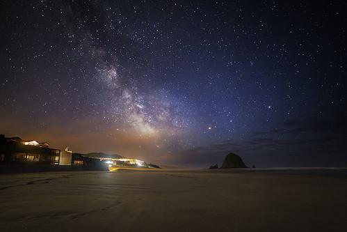 beach rock night oregon nightscape nightshot clear galaxy haystack nightsky nightview galactic milkyway bunlee bunleephotography