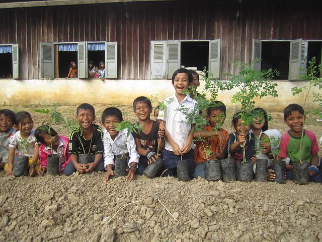 Students Preparing to Plant Papaya Seedlings