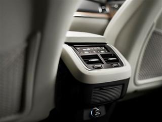 Volvo-XC90-Details-2014-x-2015-41