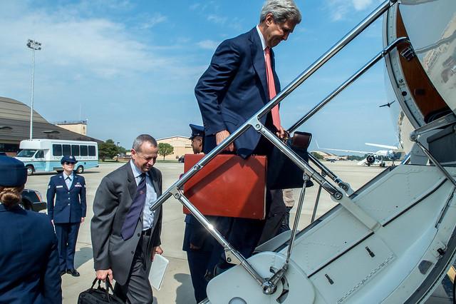 Secretary Kerry, General Allen Depart Washington for UN Security Council Meeting in New York