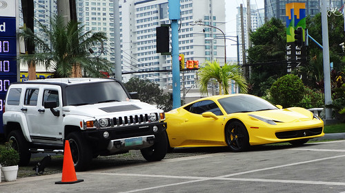 Hummer H3 and Ferrari 458 Italia | by Justin Young Photography