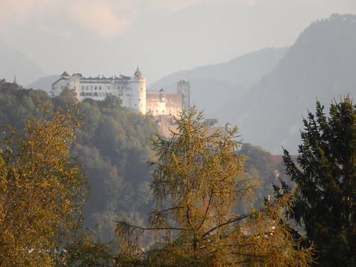 Salzburg - Die Festung Hohensalzburg vanaf de camping