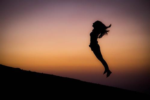 mountain girl sunrise etna jumps