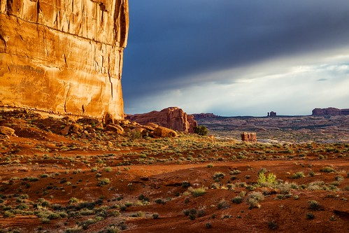 sunrise landscape utah nationalpark arches archesnationalpark theorgan balancedrock courthousetowers