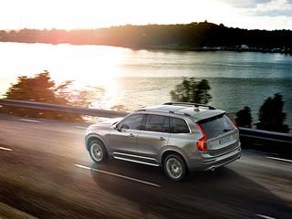 Volvo-XC90-Ext-2014-x-2015-17