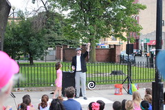 Sat, 2014-08-30 14:21 - The House Theatre of Chicago and the Chicago Parks District present Magic in the Park as part of Night Out in the Parks, August 30, 2014 at Eckhart Park. Photo by Chris Thoren.