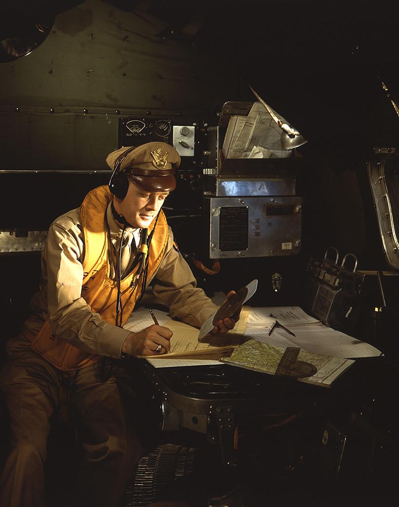 U S  Flight Navigator, Boeing B-17 Flying Fortress, World
